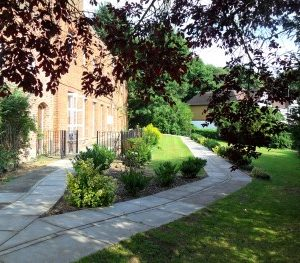 cassiobury court gardens